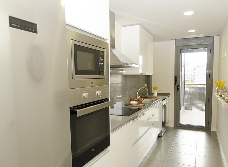 Obra Nueva Sant Boi cocinas con salida a terraza