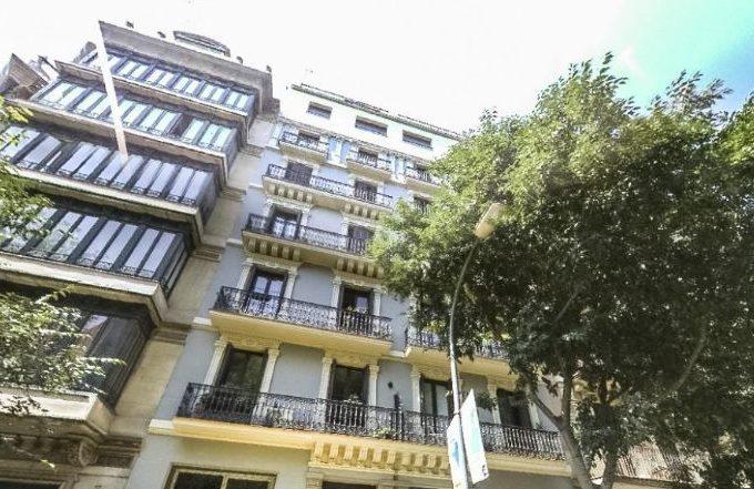 Fachada piso barcelona antiga esquerra eixample
